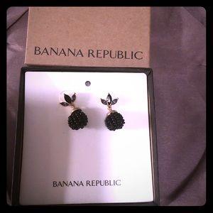 Gorgeous Banana Republic black/gold earrings $22